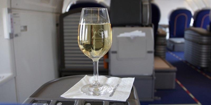 Jet Lag avoid alcohol